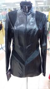 Куртка из лаковой кожи